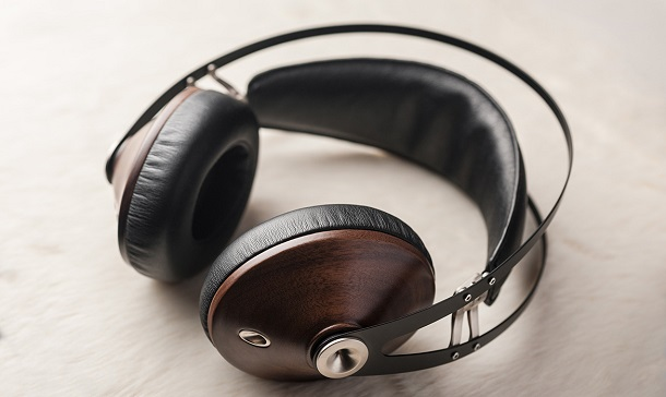 99-classics-walnut-silver-lifestyle1