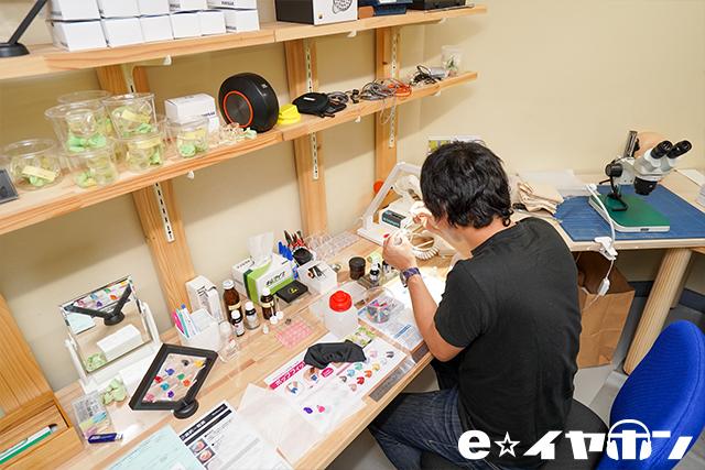 「eA-R」(エアラ)はe☆イヤホン・ラボにて、ひとつずつハンドメイドで製造しています!